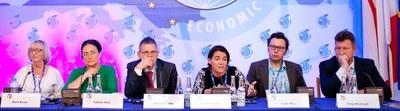 Economic forum, ungdomsdebatten redigert