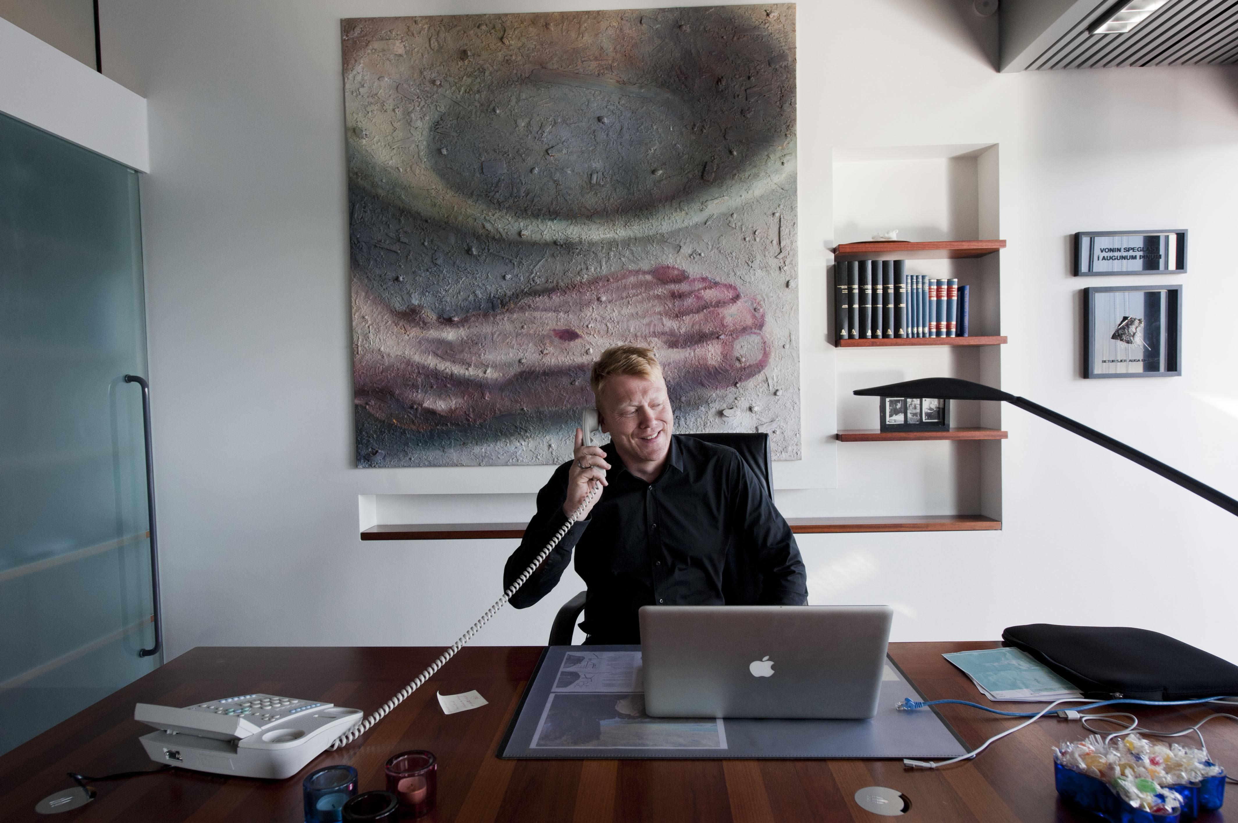 När tilliten försvann i Island blev komikern Jón Gnarr borgmästare