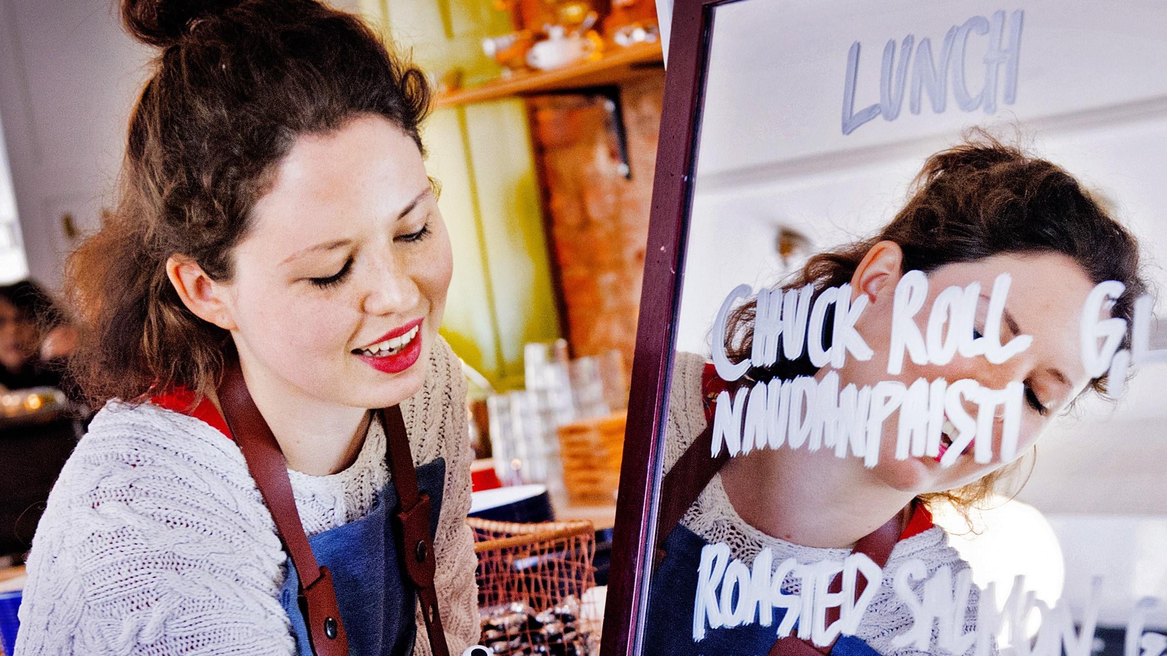 Restauranger bryter gammal språknorm - engelskan på väg in