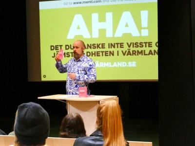 I Värmland är humor ett verktyg för jämställdhet