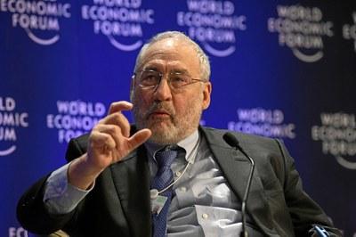OECD: Politikerna litar för mycket på BNP