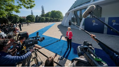 Den sociala pelaren får större tyngd efter EU:s toppmöte i Porto